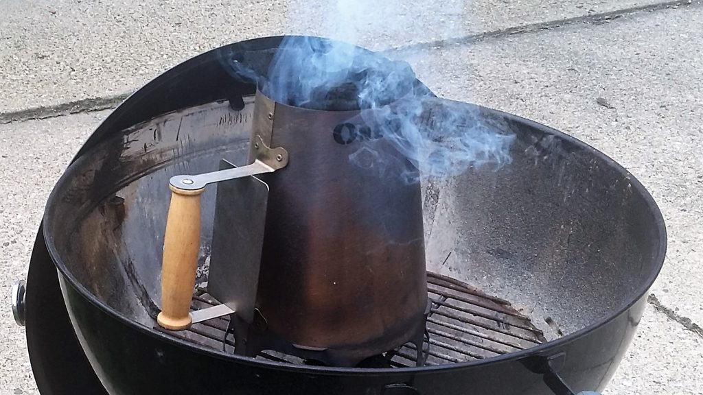 charcoal chimney in weber kettle