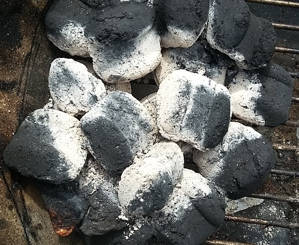 charcoal lit without lighter fluid or chimney