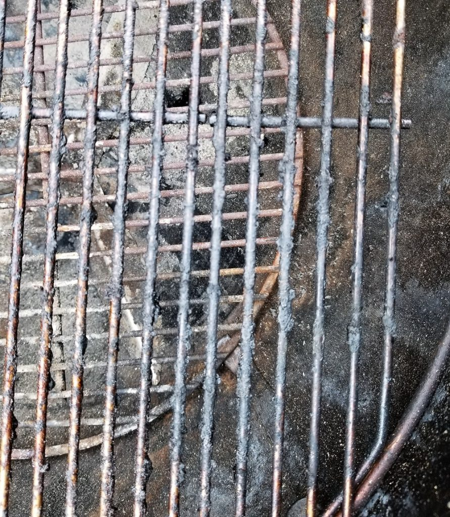 Dirty satinless steel grill grates