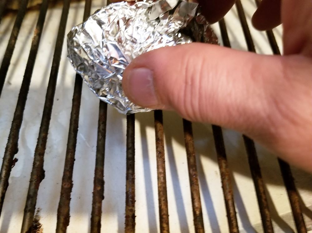 foil ball cleaning grill grates
